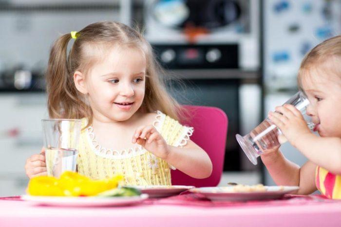 Jak robić zdrowe i smaczne napoje dla całej rodziny?