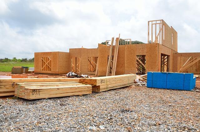 Domy z materiałów naturalnych coraz popularniejsze