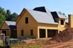 Budowa domu jednorodzinnego – jak zabezpieczyć się przed zimą?
