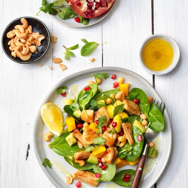 Filet-Pieces-Salad-with-Fruit-and-Chickpea